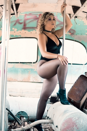 Bus Graveyard Blonde Cataleya